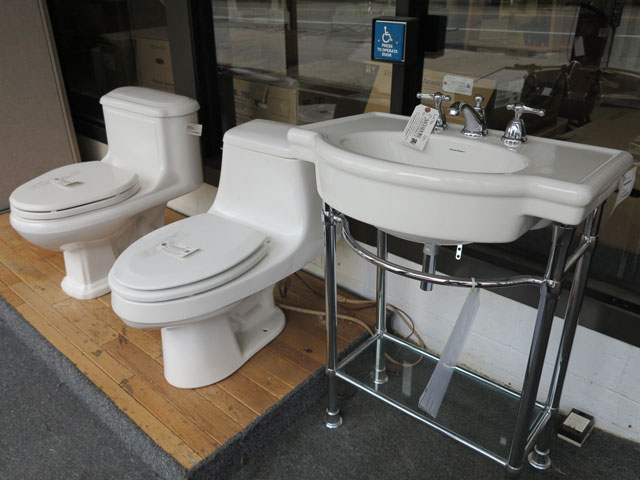 various-styles-toliets-and-sinks